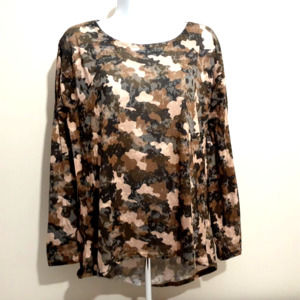 Forever 21 green camo long sleeve boat neck top